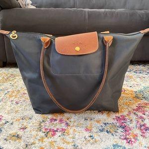 Like new longchamp tote bag in navy
